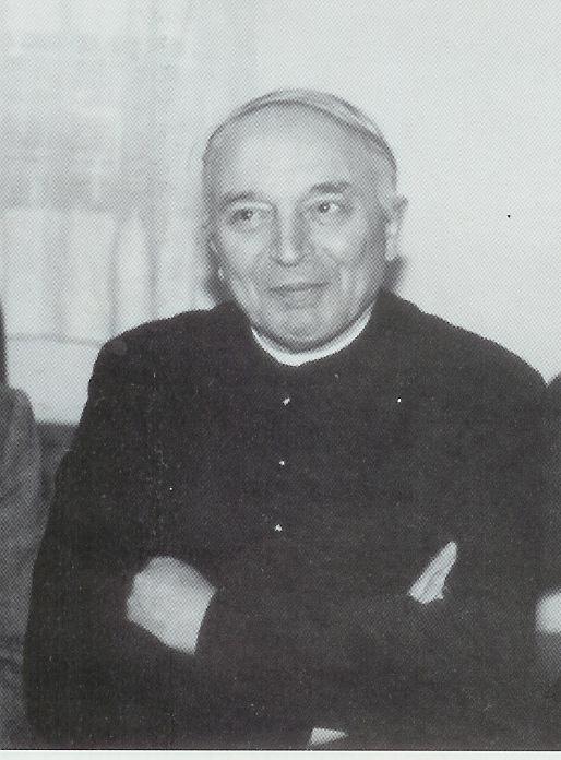 mons. Leandro Comelli